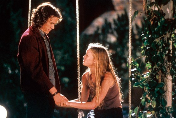 Julia Stiles says it's hard to watch '10 Things I Hate About You': 'I look away'